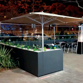 Medium glass planter for terraces